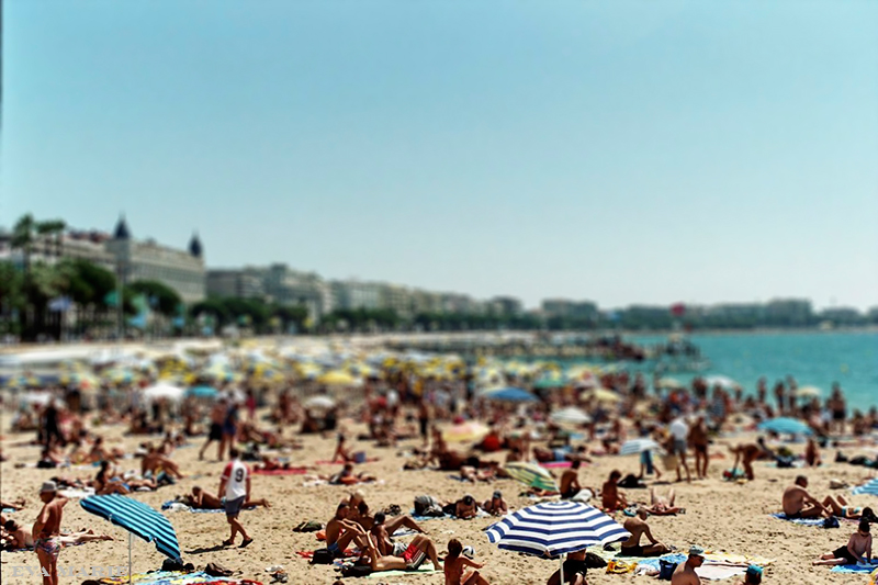 Cannesbeach_blur1web