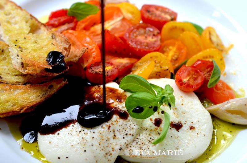 Capreses-salad-web1