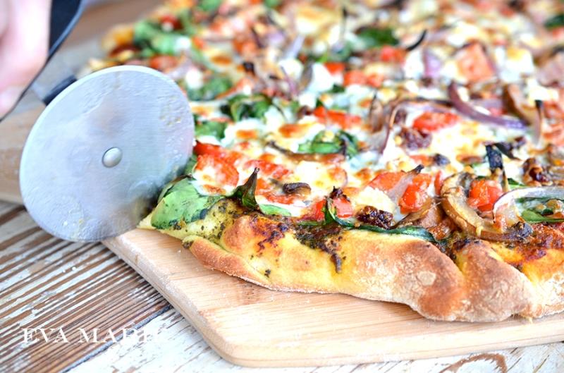 cutting-pizza